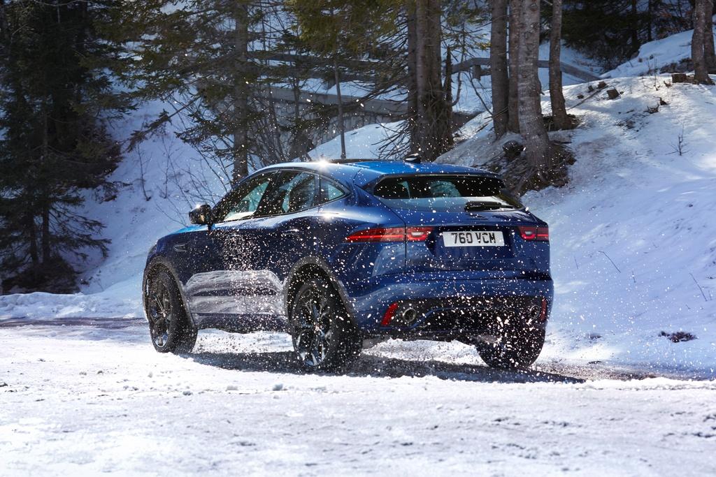 Jaguar E-Pace 2021 anh 14