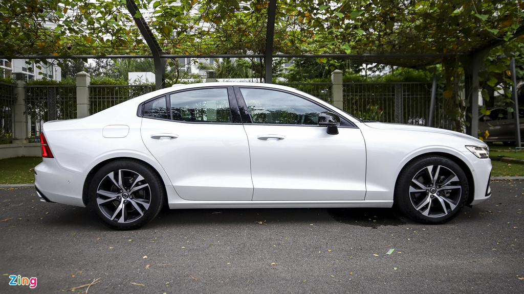 Volvo S60 R-Design anh 6