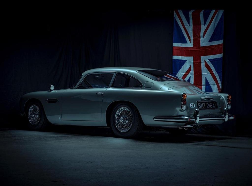 xe Aston Martin cua James Bond anh 5