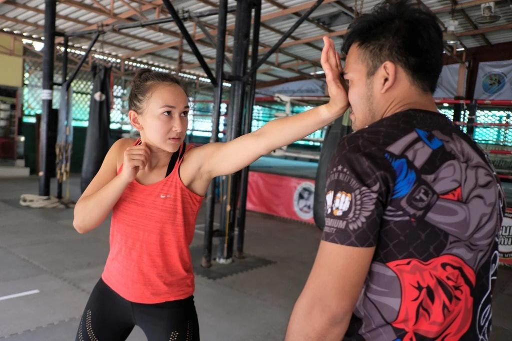 phu nu Thai Lan tu ve anh 2
