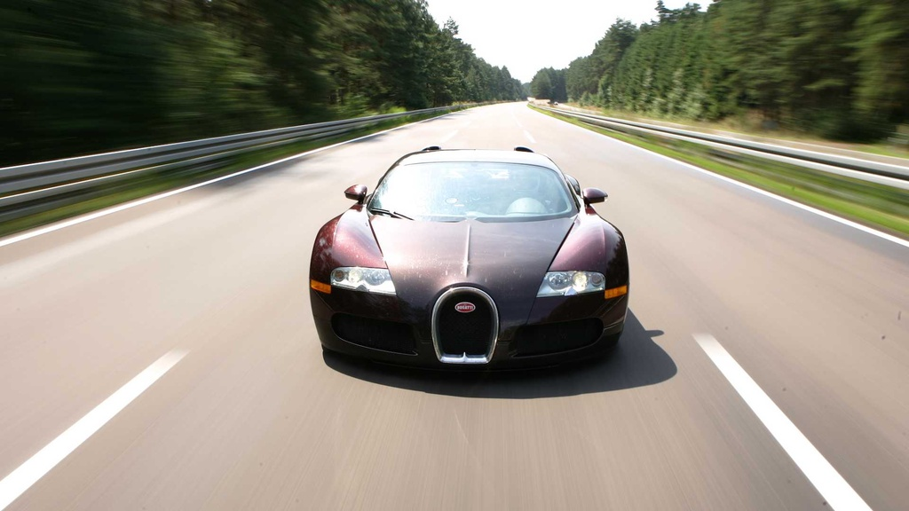 15 nam truoc, ong hoang toc do Bugatti Veyron lap ky luc dau tien hinh anh 5 bugatti_veyron_15th_year_since_breaking_the_250_mph_barrier_7.jpg