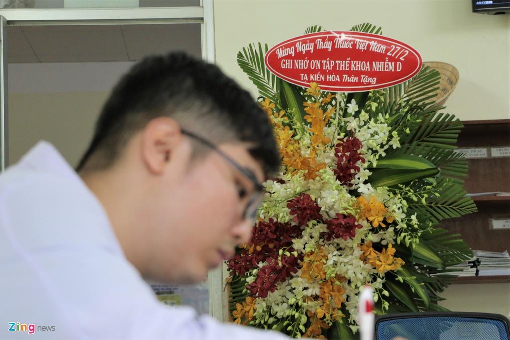 Lẵng hoa của bệnh nhân Covid-19 ở Bệnh viện Bệnh Nhiệt đới
