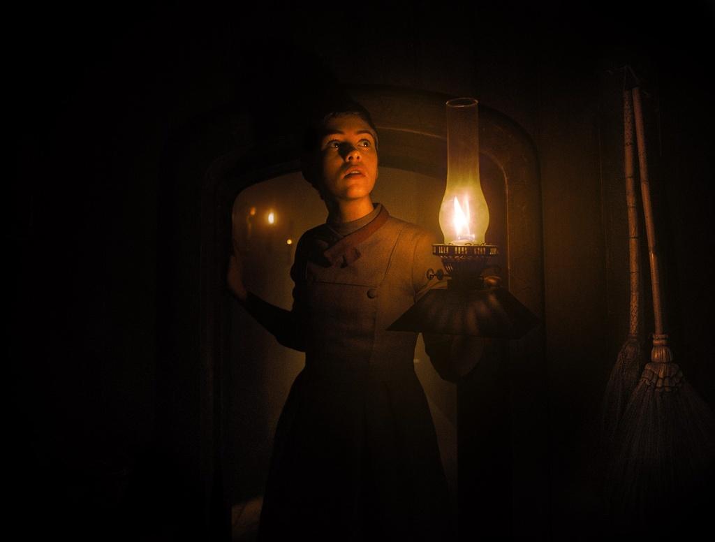 review phim Gretel & Hansel anh 1