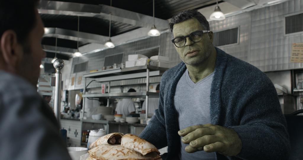 'Avengers: Endgame' tron 1 tuoi voi so tien lai 900 trieu USD hinh anh 2 dnr1520_v011_078137.1142.jpg