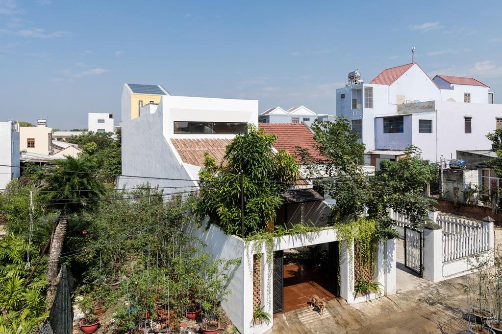 Ngoi nha mang thiet ke nhu mot Hoi An thu nho hinh anh 1 1.jpg  Ngôi nhà mang thiết kế như một Hội An thu nhỏ 1