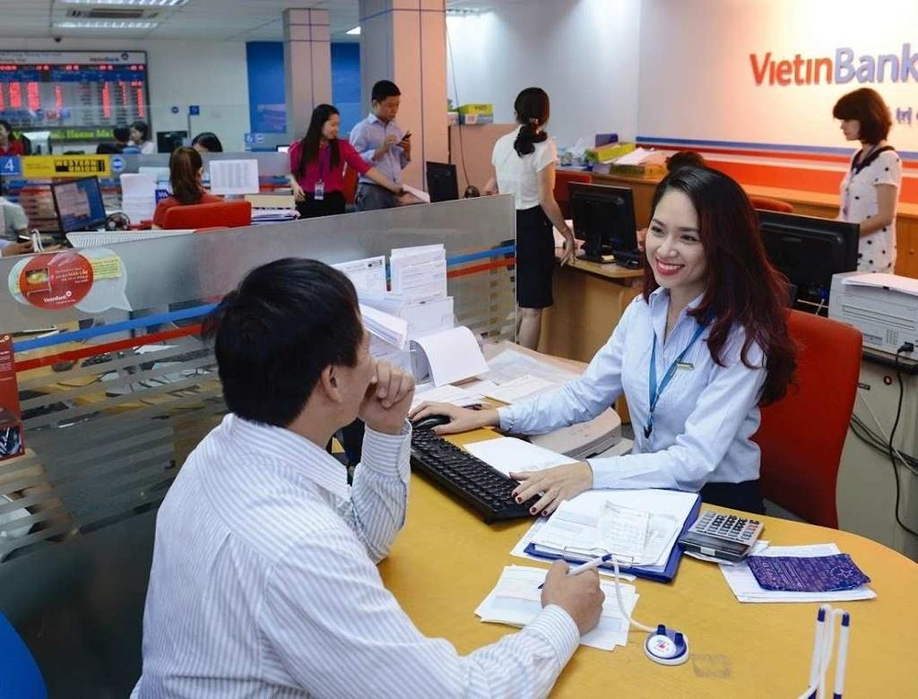 Thu nhập nhân viên 4 ngân hàng lớn thay đổi ra sao sau 10 năm?