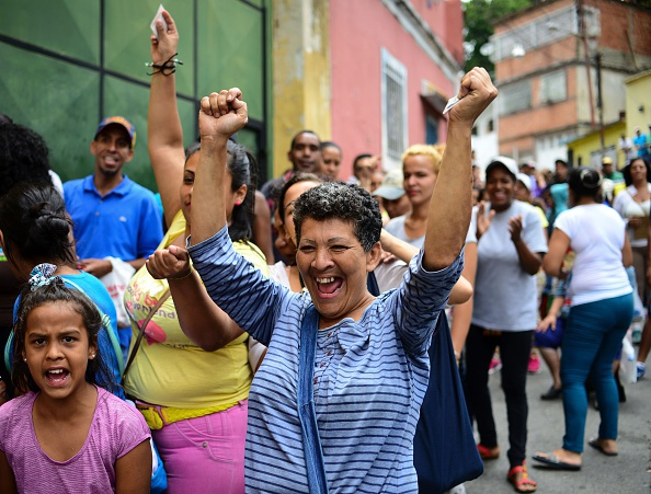 Venezuela: Tu 'thien duong dau mo' toi day khung hoang hinh anh 5