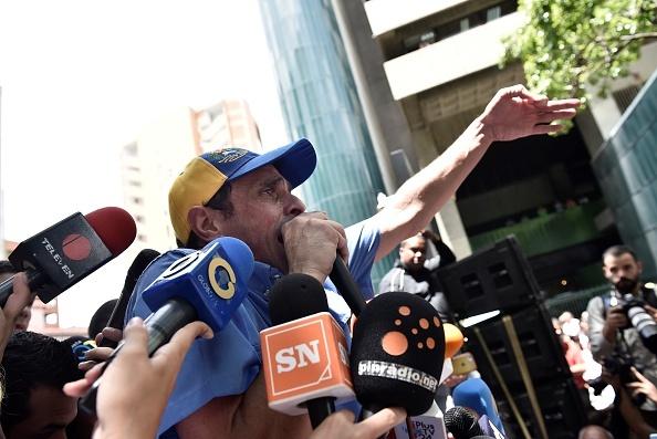 Venezuela: Tu 'thien duong dau mo' toi day khung hoang hinh anh 14