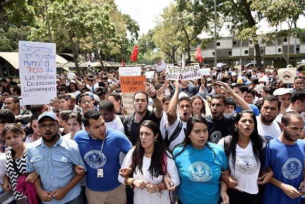 Venezuela: Tu 'thien duong dau mo' toi day khung hoang hinh anh 13