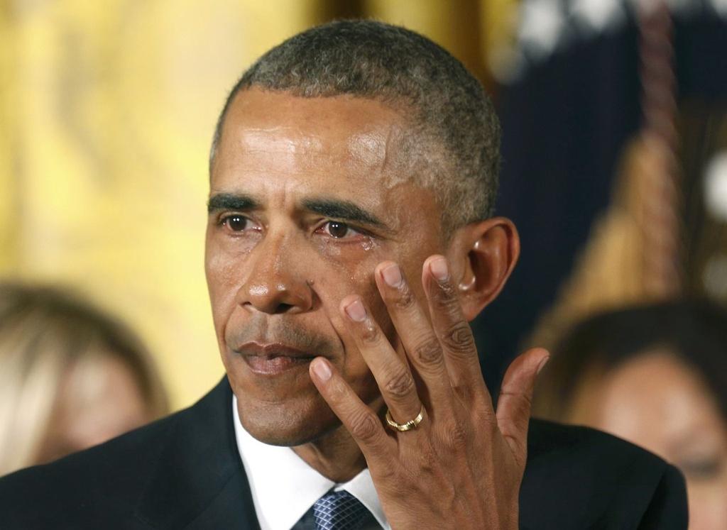 Giot nuoc mat bat luc cua ong Obama sau cac vu xa sung o My hinh anh 5