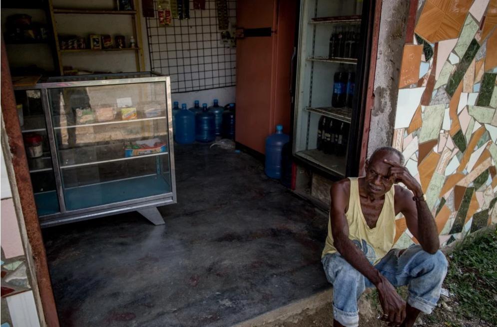 Nguoi Venezuela an xoai, khoai lang tru bua giua khung hoang hinh anh 12
