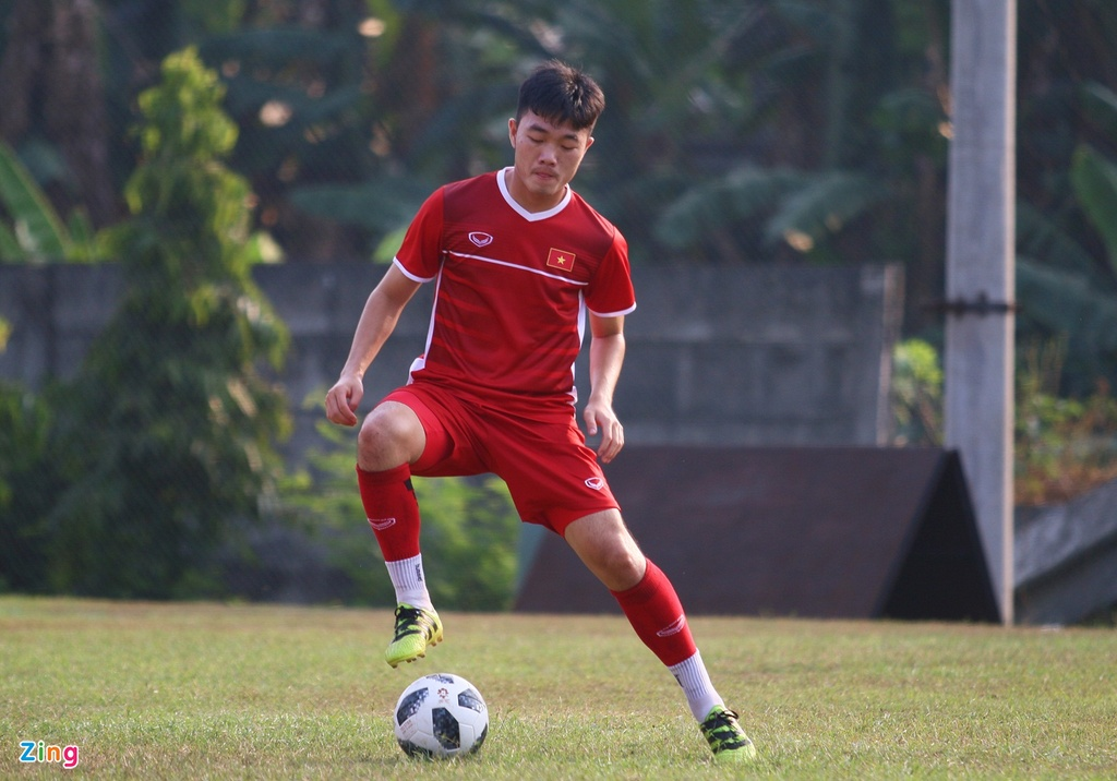 Bui Tien Dung san sang phuong an sut luan luu voi Olympic Nhat Ban hinh anh 7