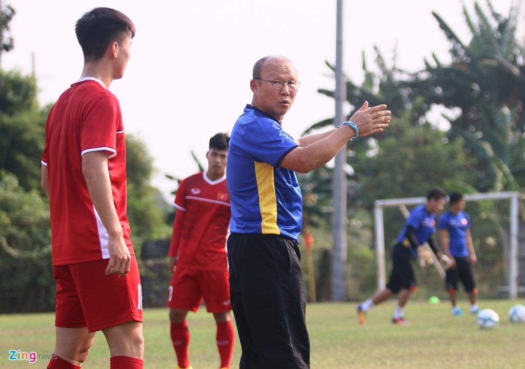 Bui Tien Dung san sang phuong an sut luan luu voi Olympic Nhat Ban hinh anh 9