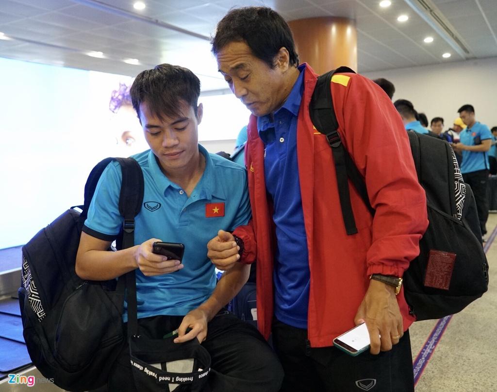 Thay tro ong Park Hang-seo theo doi tran Thai Lan khi vua den Myanmar hinh anh 4