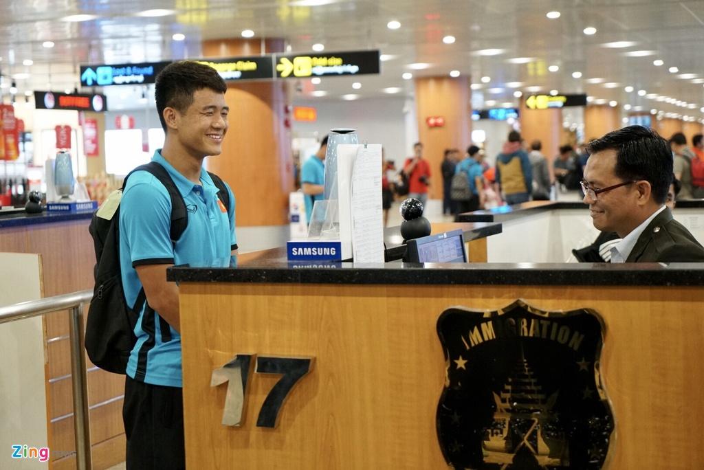 Thay tro ong Park Hang-seo theo doi tran Thai Lan khi vua den Myanmar hinh anh 2