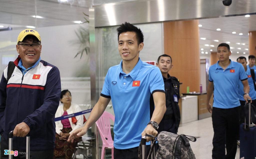Thay tro ong Park Hang-seo theo doi tran Thai Lan khi vua den Myanmar hinh anh 10