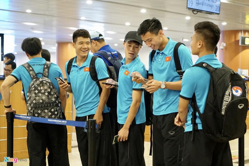 Thay tro ong Park Hang-seo theo doi tran Thai Lan khi vua den Myanmar hinh anh 5