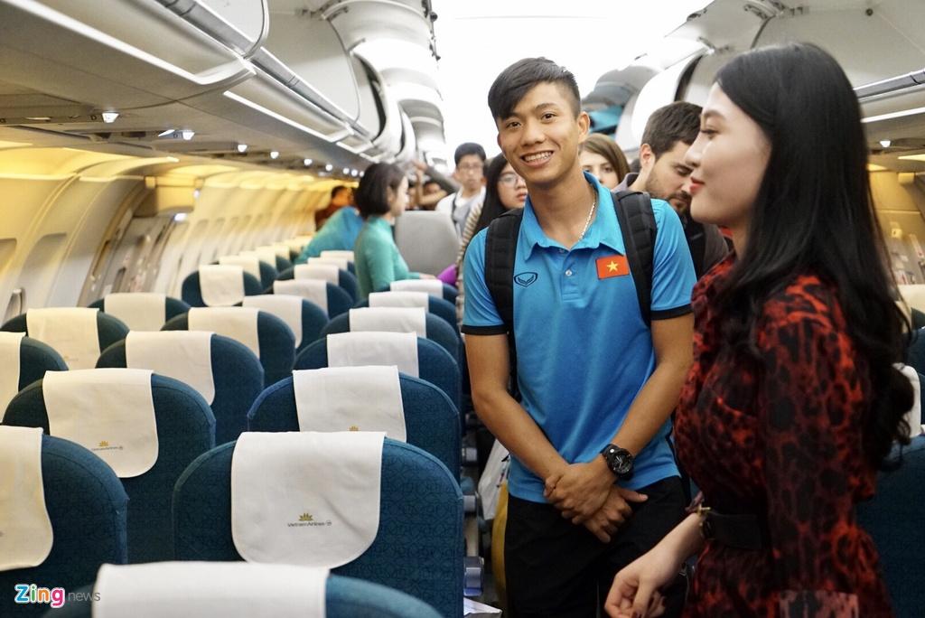 Thay tro ong Park Hang-seo theo doi tran Thai Lan khi vua den Myanmar hinh anh 1