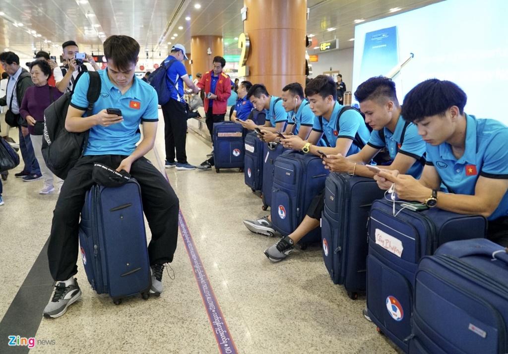 Thay tro ong Park Hang-seo theo doi tran Thai Lan khi vua den Myanmar hinh anh 8