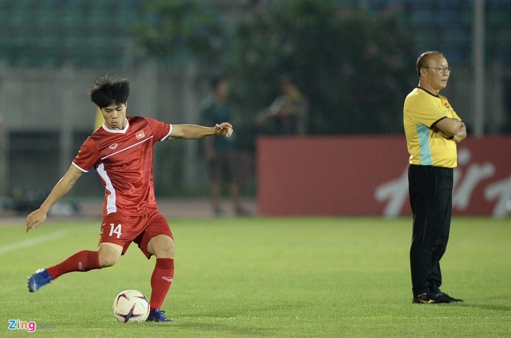 Myanmar,  Viet Nam,  AFF Cup,  Park Hang Seo,  cau nguyen,  doi tuyen anh 9