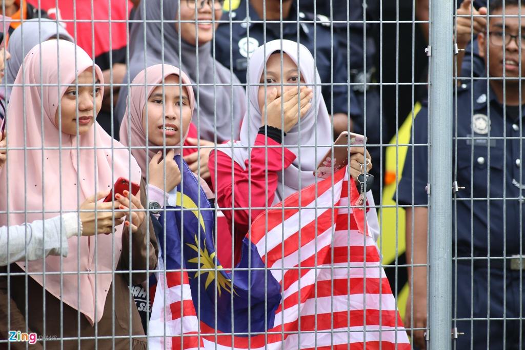 Malaysia doi san tap xa thanh pho sau khi Viet Nam den Kuala Lumpur hinh anh 5