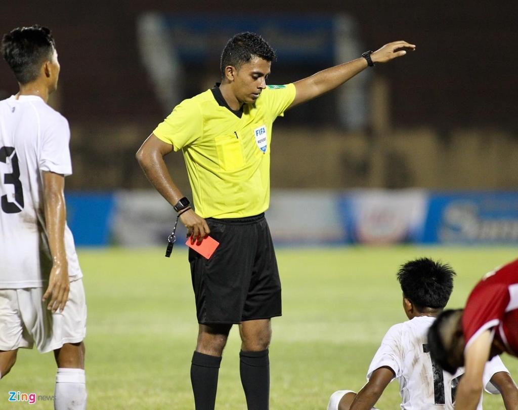 Cau thu Myanmar tung cuoc ha guc tien dao U19 Viet Nam hinh anh 3