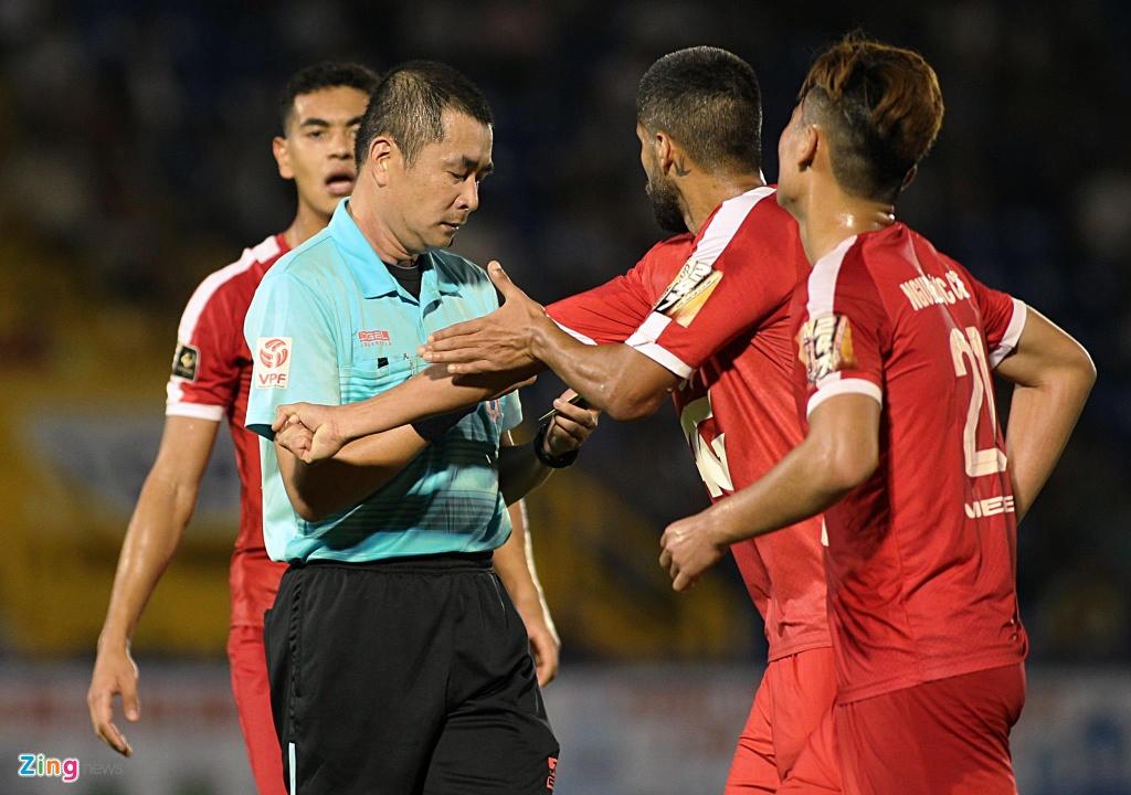 V.League 2019 dung VAR luu dong, chua chac FIFA cong nhan hinh anh 1