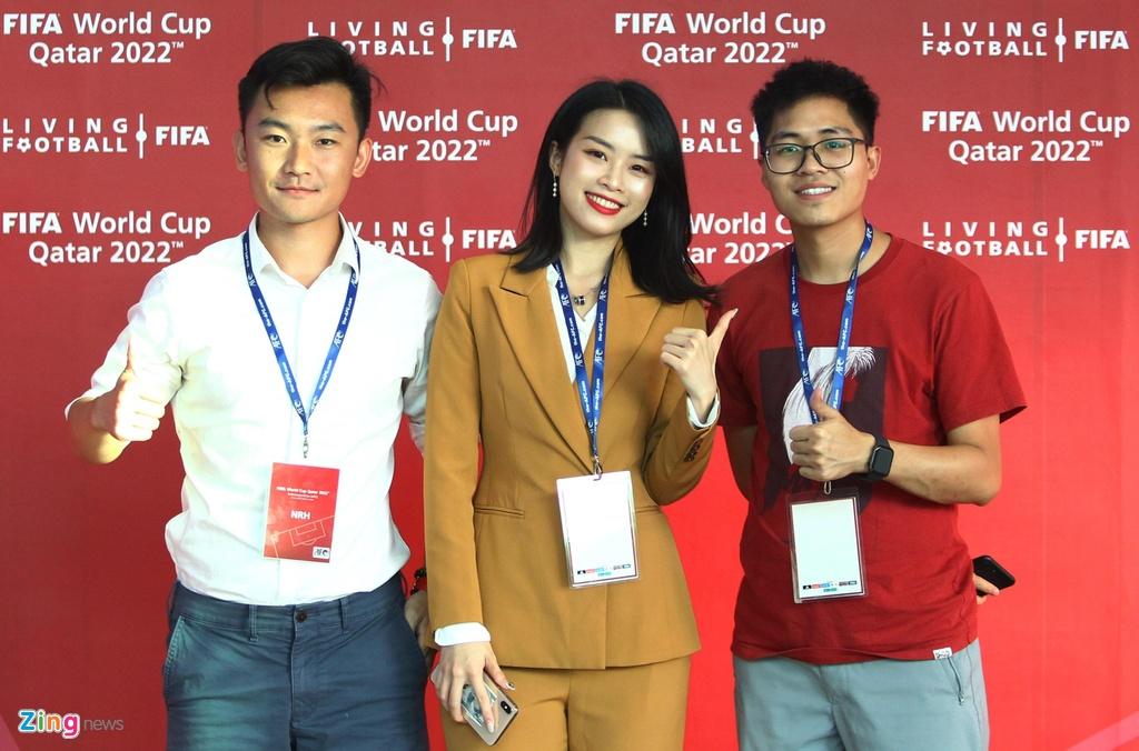Nu phong vien xinh dep Trung Quoc muon gap Viet Nam o Asian Cup hinh anh 3