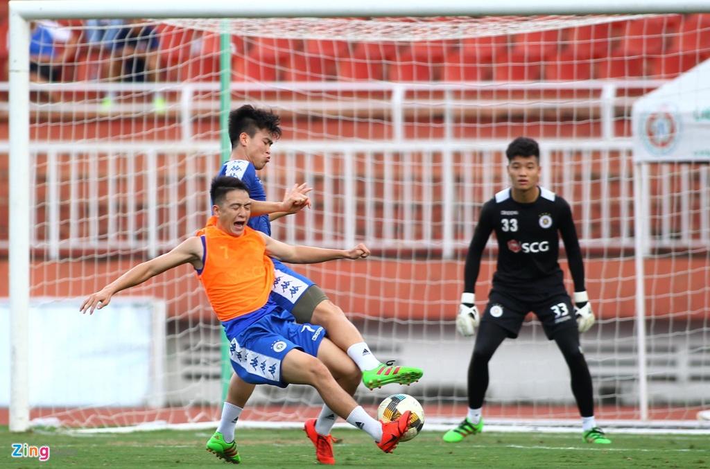 Quang Hai va dong doi san sang doi mon no thua 2-5 truoc Sai Gon hinh anh 5
