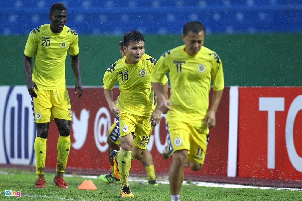 Quang Hai sat canh cung than tuong o chung ket AFC Cup hinh anh 1