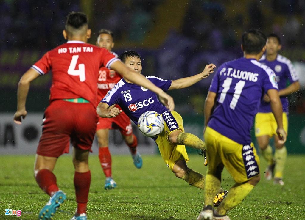 Quang Hai sat canh cung than tuong o chung ket AFC Cup hinh anh 3