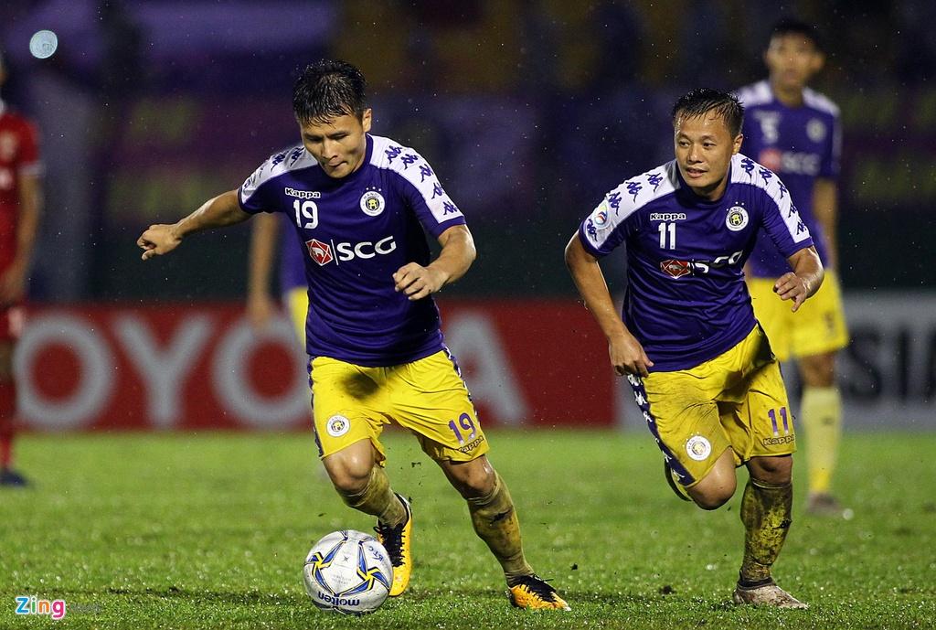 Quang Hai sat canh cung than tuong o chung ket AFC Cup hinh anh 2