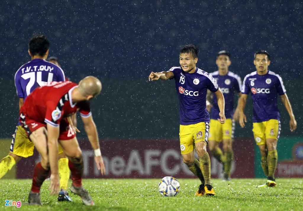 Quang Hai sat canh cung than tuong o chung ket AFC Cup hinh anh 5