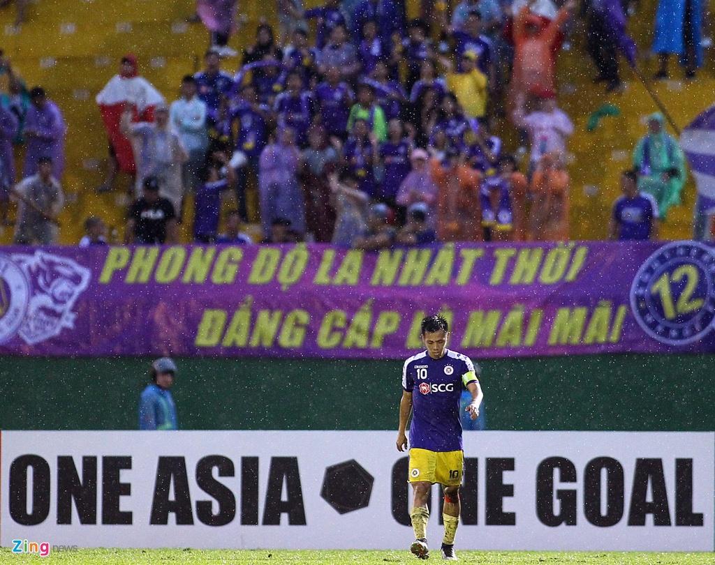 Quang Hai sat canh cung than tuong o chung ket AFC Cup hinh anh 8