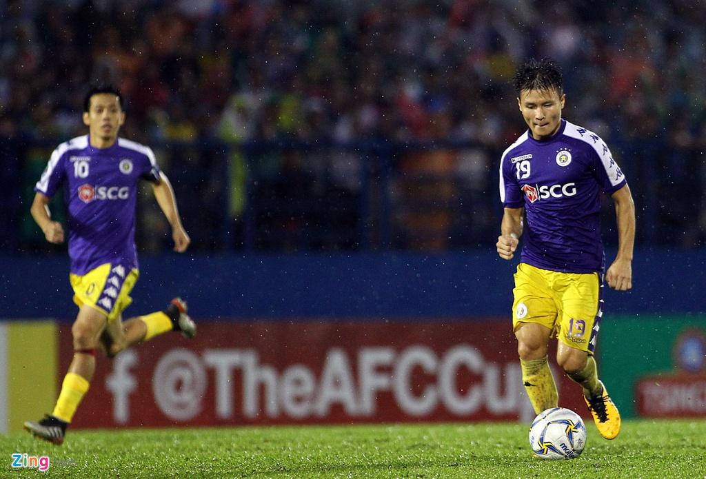 Quang Hai sat canh cung than tuong o chung ket AFC Cup hinh anh 7