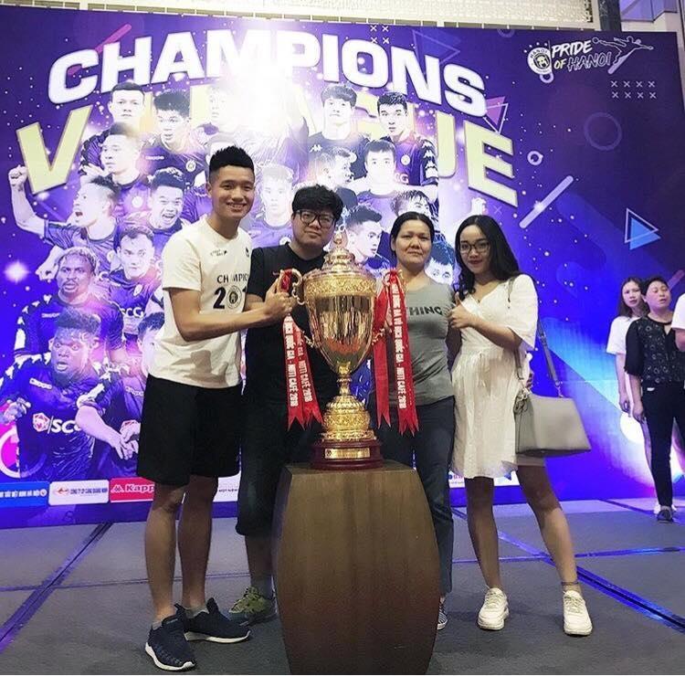 Phi Minh Long - tu tuyen thu U23 den nguoi gac den co don o CLB Ha Noi hinh anh 2