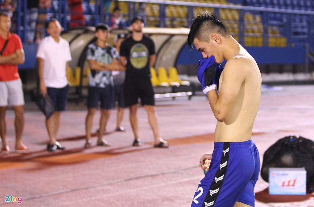 Anh Duc khong nhan huy chuong cup quoc gia, Tien Linh coi ao hinh anh 8