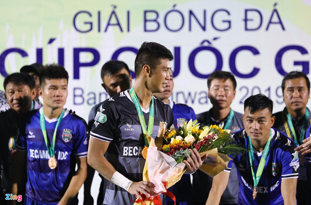 Anh Duc khong nhan huy chuong cup quoc gia, Tien Linh coi ao hinh anh 7