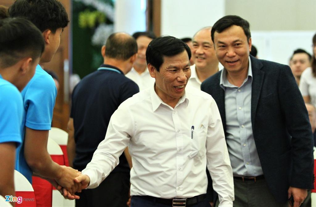 Ong Park ngai ngung khi duoc Bo truong moi len san khau hinh anh 1 bo_truong_u23_vietnam_1_zing.jpg