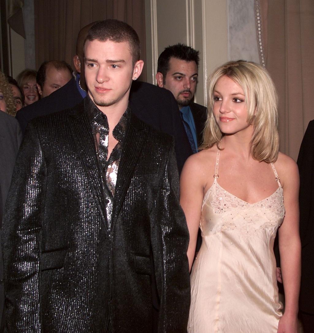 Britney Spears - cong chua nhac pop va cu truot dai trong su nghiep hinh anh 5 12.jpg