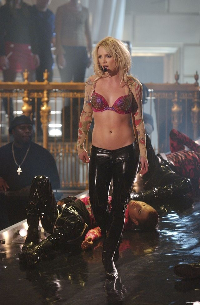 Britney Spears - cong chua nhac pop va cu truot dai trong su nghiep hinh anh 8 16.jpg