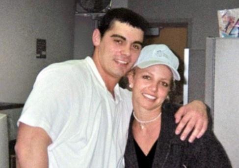 Britney Spears - cong chua nhac pop va cu truot dai trong su nghiep hinh anh 10 18_1.jpg