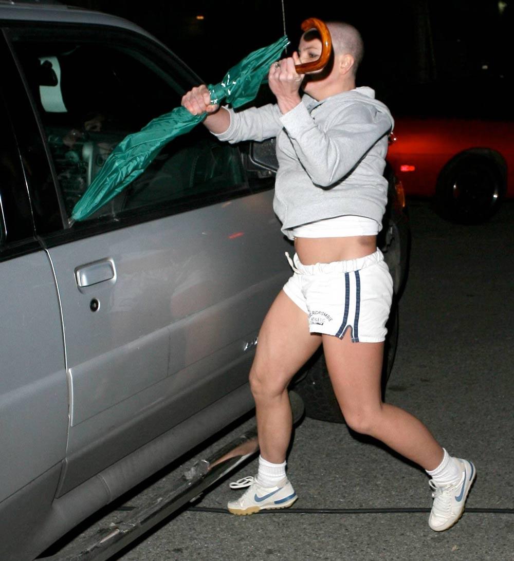 Britney Spears - cong chua nhac pop va cu truot dai trong su nghiep hinh anh 16 21.jpg