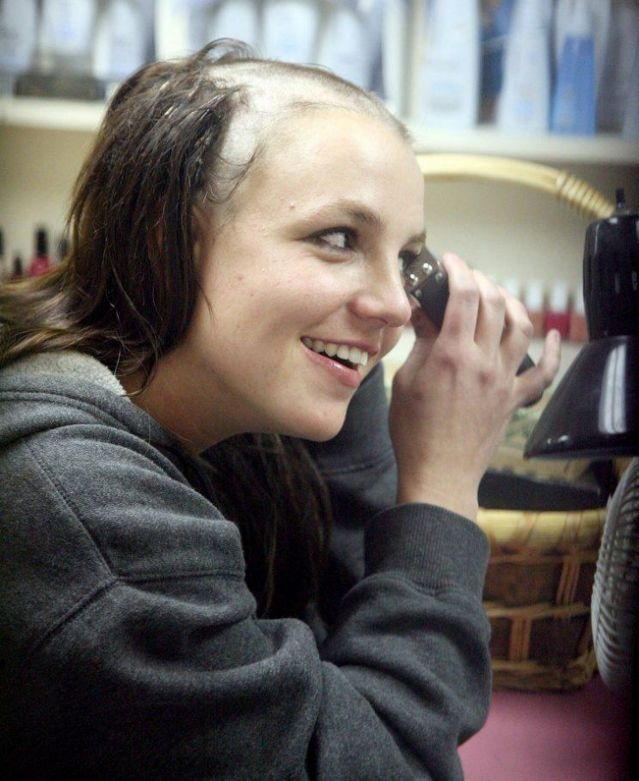 Britney Spears - cong chua nhac pop va cu truot dai trong su nghiep hinh anh 15 22.jpg