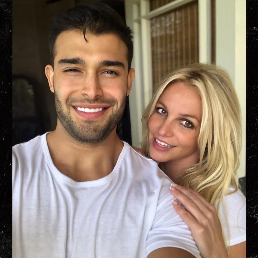 Britney Spears - cong chua nhac pop va cu truot dai trong su nghiep hinh anh 24 34.jpg