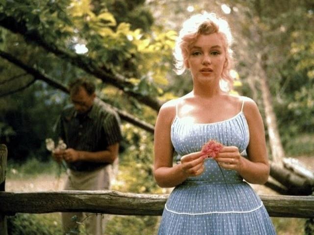 Marilyn Monroe va chong anh 15