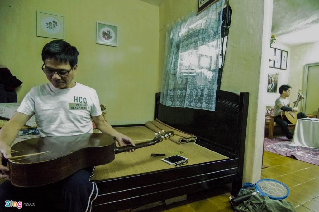 Tay guitar 9X cu phach doat nhieu giai thuong tren dat My hinh anh 6