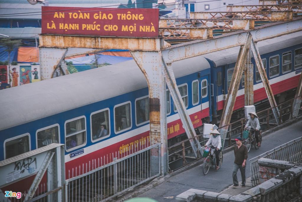 Diem check-in song ao tren cao ben cau Long Bien hinh anh 8