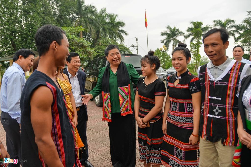 Pho chu tich Quoc hoi tham Lang van hoa cac dan toc Viet Nam hinh anh 2