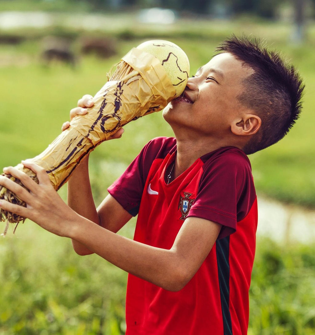 Nhung tac pham duoc thuc hien cau ky tai 'Song cung World Cup' hinh anh 11